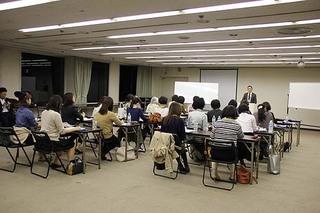 生徒・授業聞く・伊藤.jpg